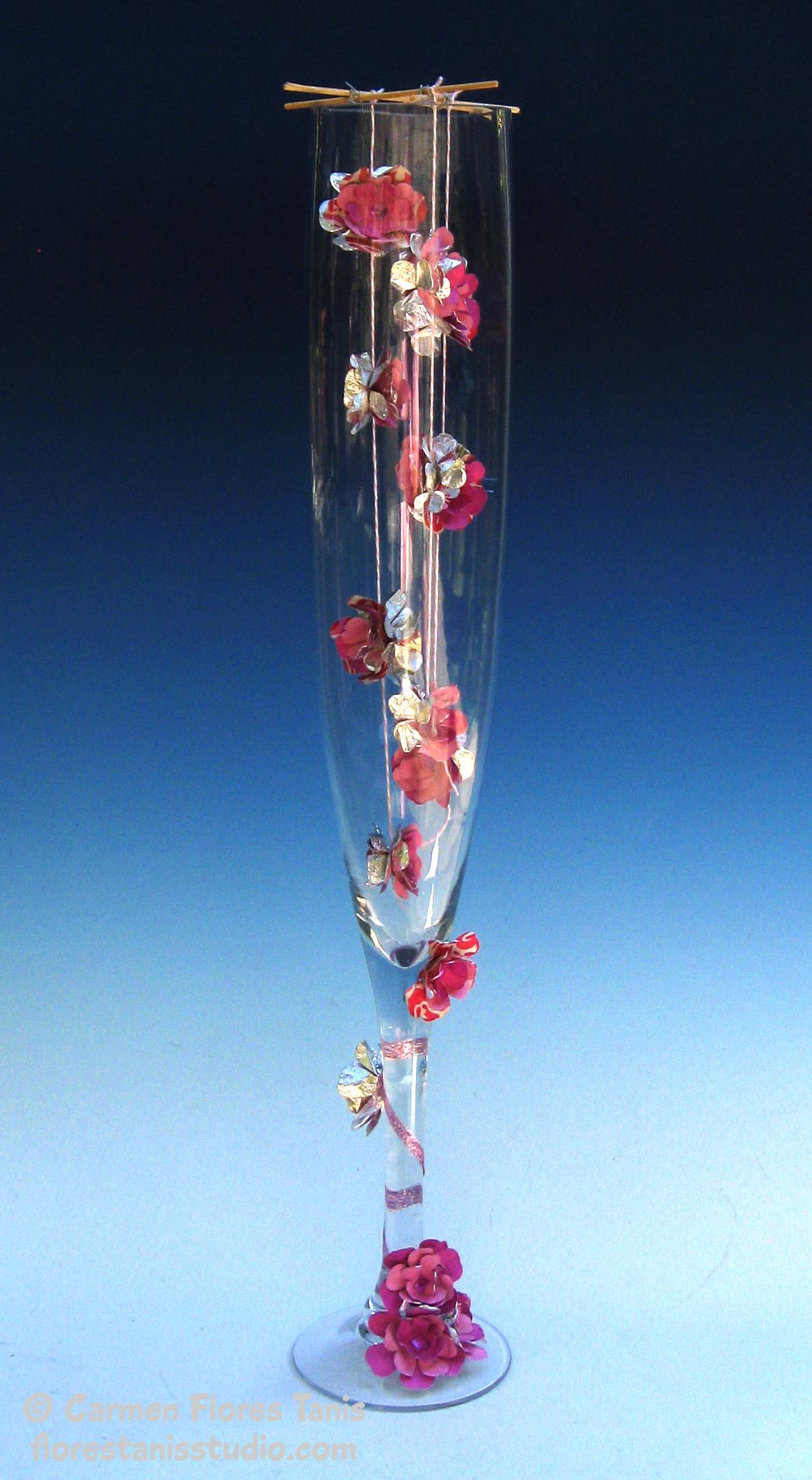 Huge Champagne Glass Centerpiece : Table decor flower blossom champagne flute centerpiece